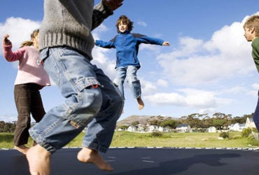 Tips on Train Your Kids to Play with Trampoline Safely