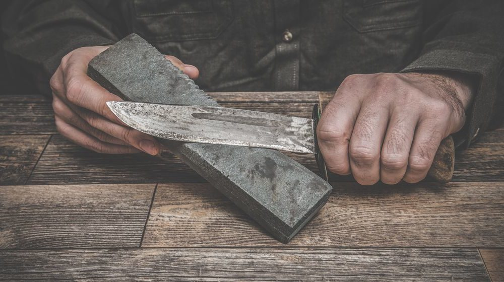 hunting-knives sharping