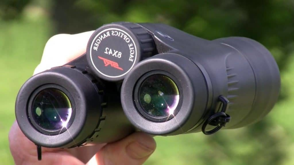 What is the best hunting binoculars specification?