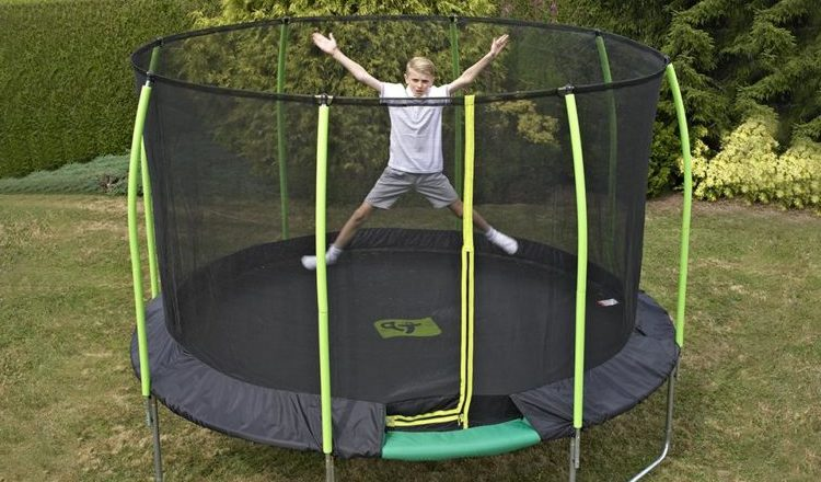 Calculate the Space Where to Place the Trampoline