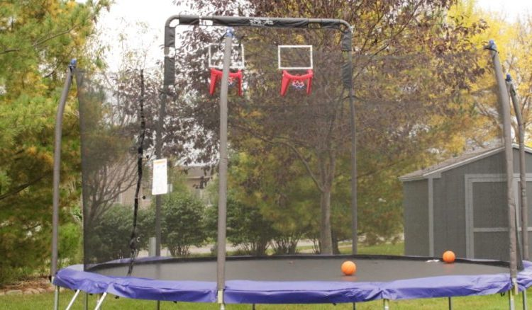 How to Choose the Best Trampolines with Basketball Hoop