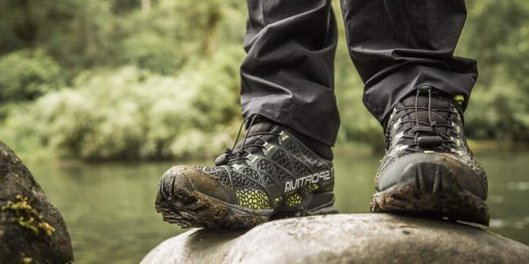 choose tips for hiking shoes