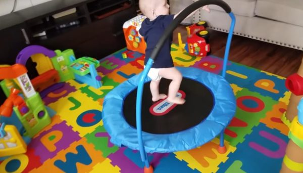 some of the advantages of this particular Little Tikes model